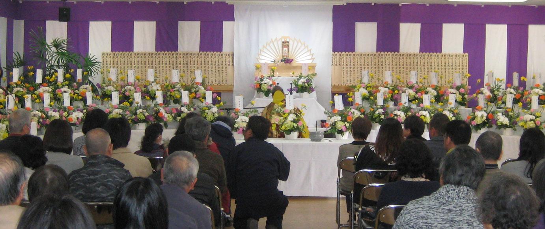 逢の杜ペット霊園東広島で合同供養式典を行った際の写真